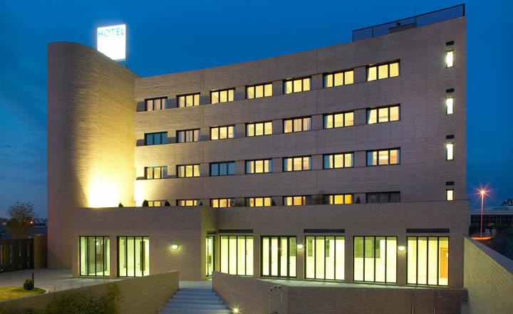 Zimny Batteriespeicher Kassel BHKW mit Batterie Hotel